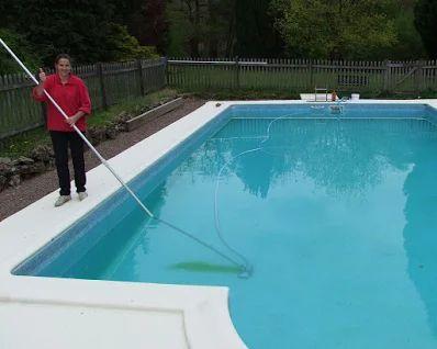 Eergisteren hadden we de laatste dag 'operatie #zwembad zomerklaar maken'. En het is gelukt, wat een verschil! Nu moet alleen de #temperatuur nog iets hoger worden voor de 1e plons.