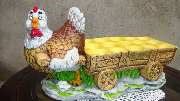 Gallina con carreta para 15 huevos