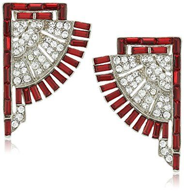 Jewelry store for bracelets, brooches, earrings, necklaces, rings and watches.