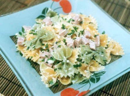 Salada de Macarr�o - Veja mais em: http://www.cybercook.com.br/salada-de-macarrao.html?codigo=2542