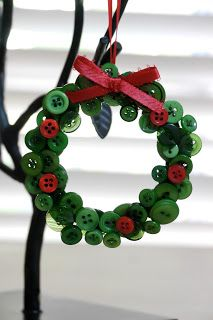 Full of Craft: Ornament Month! Button Wreath