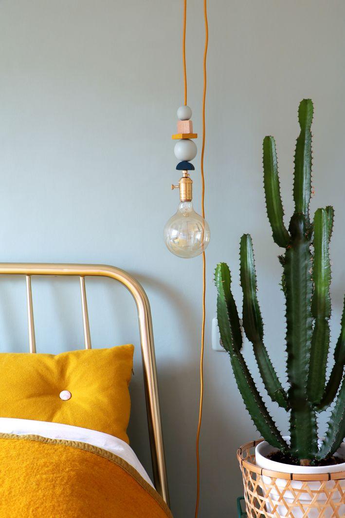 MY ATTIC / DIY geo lamp / hanging lamp / light bulb / bedroom Photography: Marij Hessel www.entermyattic.com