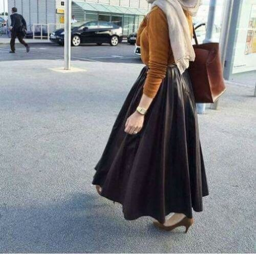 puffy black maxi skirt hijab chic- Colorful fashionable hijab outfits http://www.justtrendygirls.com/colorful-fashionable-hijab-outfits/