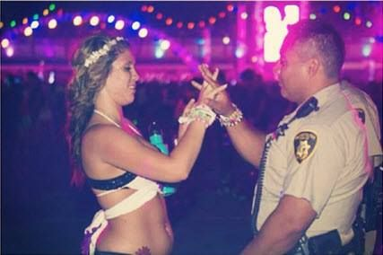 I love everything about this picture. PLUR <3 #EDC >> http://amykinz97.tumblr.com/ >> www.troubleddthoughts.tumblr.com/ >> https://instagram.com/amykinz97/ >> http://super-duper-cutie.tumblr.com/