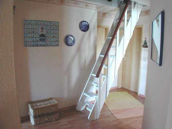 die besten 25 bodentreppe ideen nur auf pinterest dachboden loft kleines. Black Bedroom Furniture Sets. Home Design Ideas