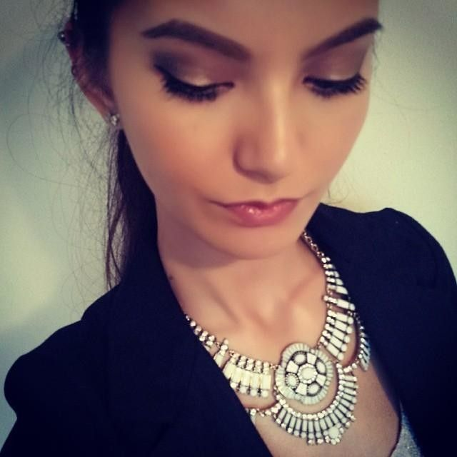 perfect accent on the way out. #necklace #jewel