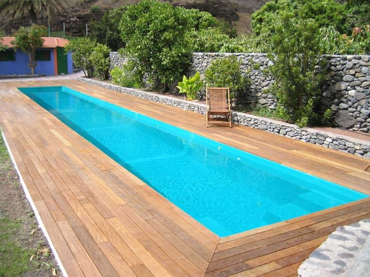 Piscina stretta ideas for our new home in zurich for Multiforma piscinas