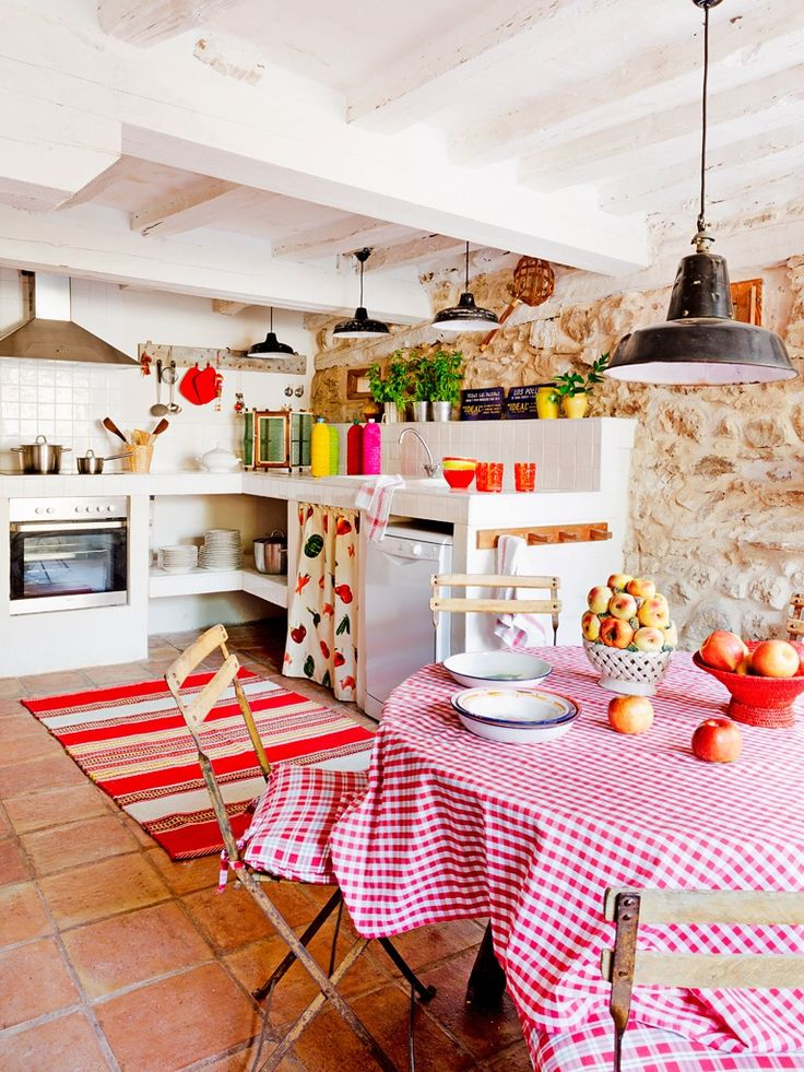 Дом в Испании - бытие определяет сознание