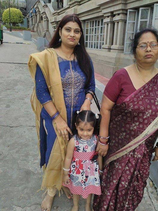 Indu looks a total ethnic diva in this Blue W kurta :) #WLoverInCity