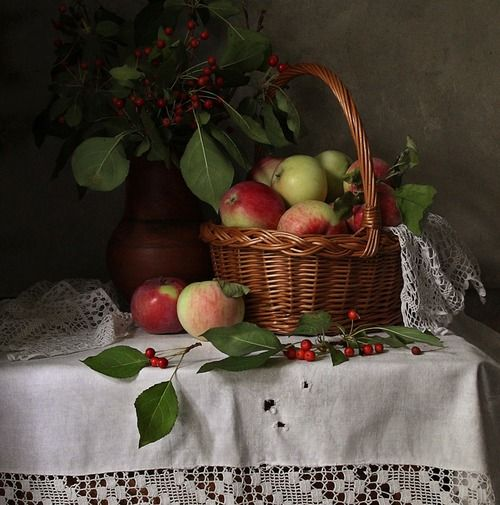 Basket of apples - definitely want an orchard some day!