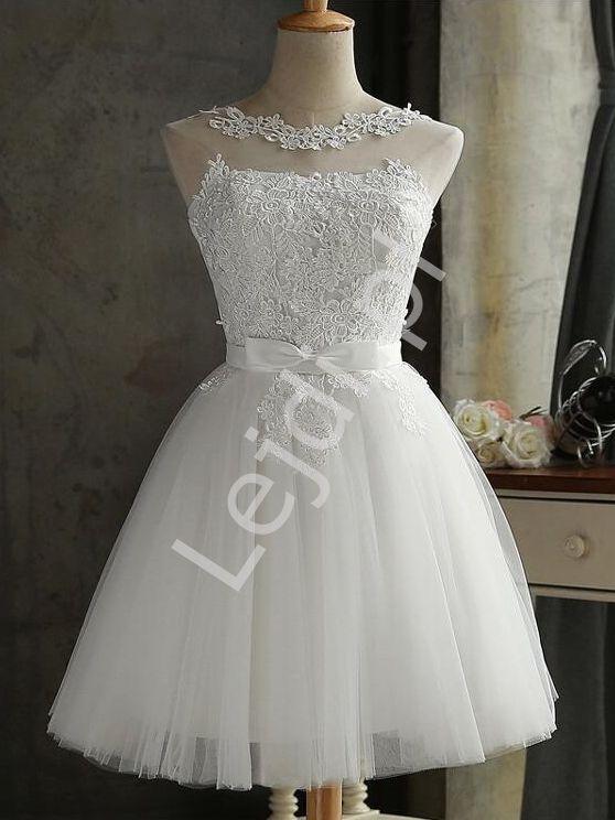 e8b4425976 Biała krótka sukienka tiulowa zdobiona gipiurową koronką 1459