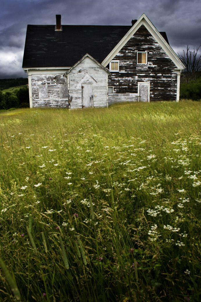 ABANDONED PHOTOGRAPHY NOVA SCOTIA > SAD OLD HOME