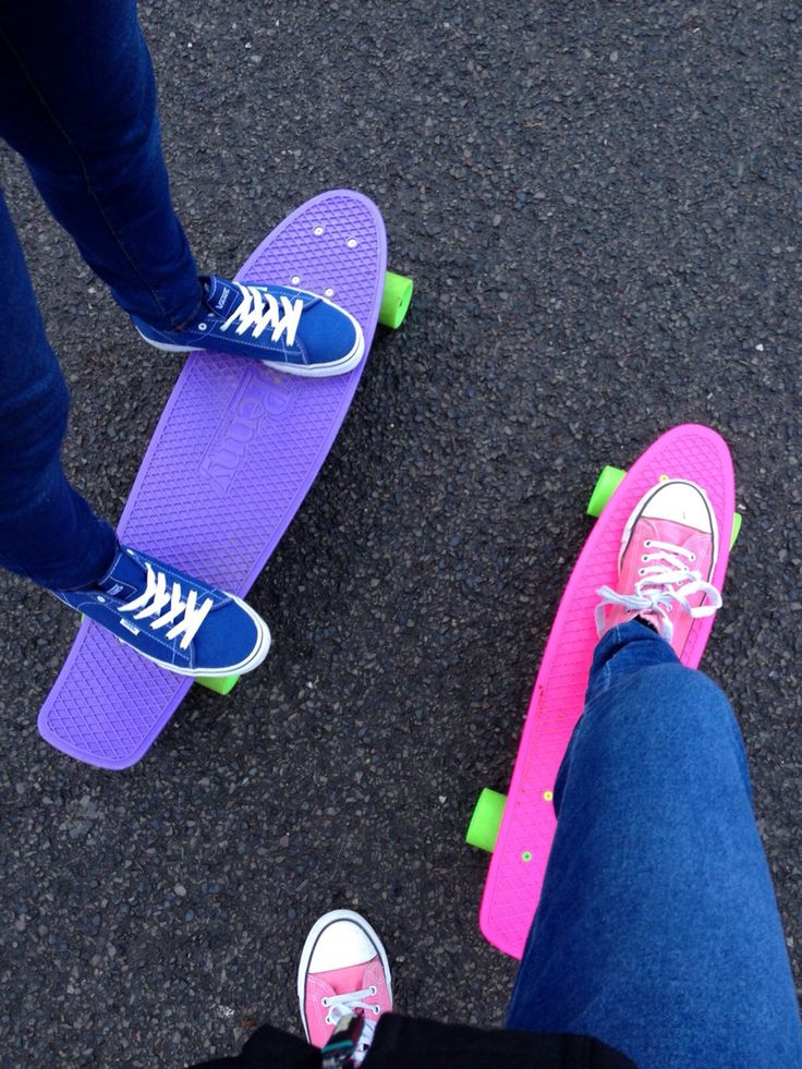 This picture is so cool! I want the purple board so badly!
