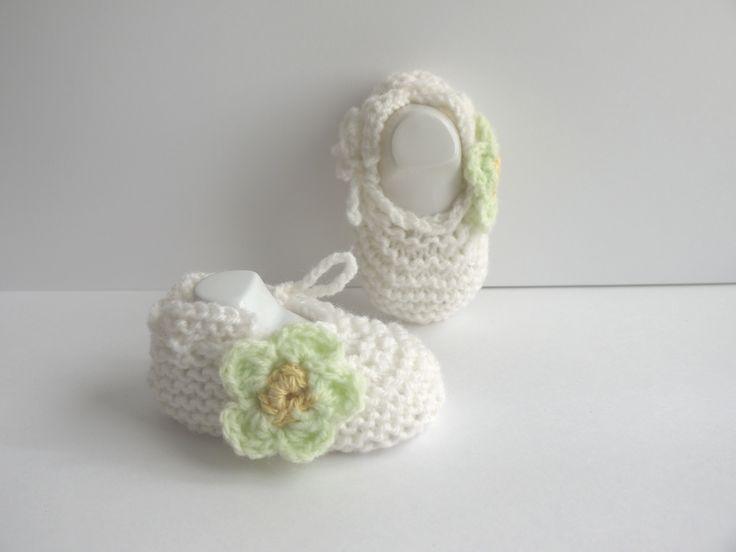 ballerines bébé chaussons naissance 0/1 mois Blanc Fleur vert clair lacets : Mode Bébé par sweet-creas