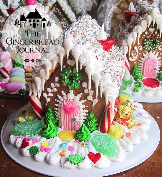 These of gingerbread houses all constructed from the pattern for Heidi's House (click on the to download the free pattern).
