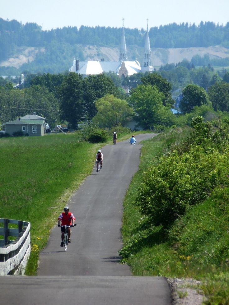 Plus de 15 villes et villages sont du trajet de la #veloroute des Bleuets. #Saguenay_Lac Tous droits réservés (c) Yves Ouellet