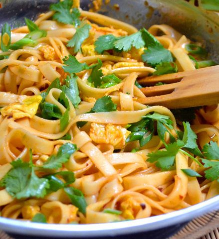 Recipe for Dragon Noodles - Ooooh lawdie. This is my new favorite quick fix! It takes about 15 minutes, is totally rich, flavorful, and SUPER SPICY.