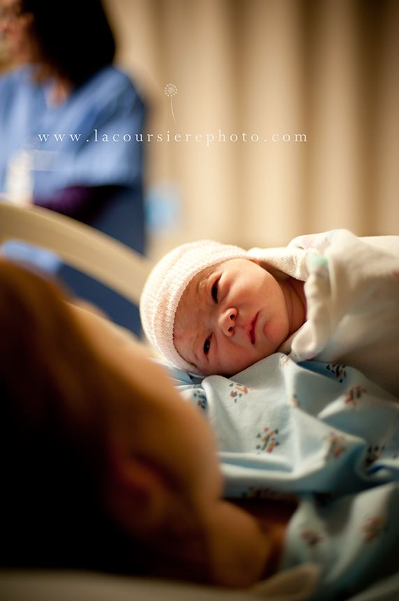GORGEOUS birth photography by LaCoursiere Photography {www.lacoursierephotograph