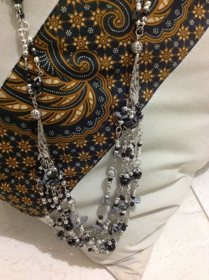 Black n slivery necklace