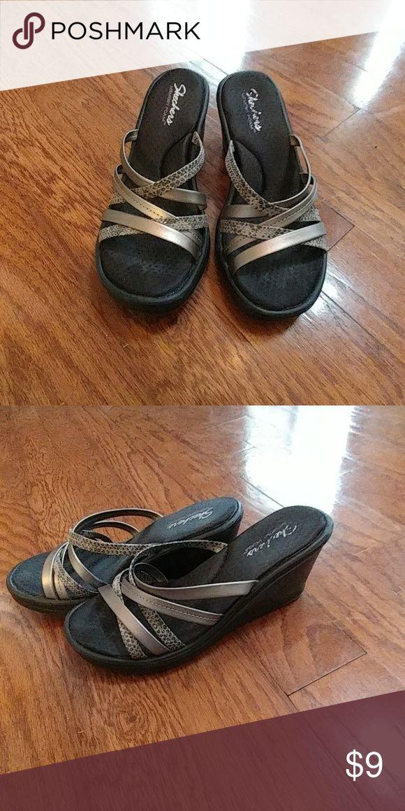 Skechers Wedges Gently worn around the house, Skechers Wedges. Almost a memory foam feel, very comfortable. Skechers Shoes Wedges