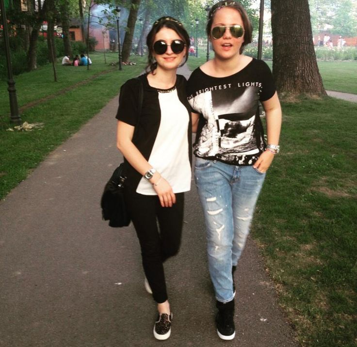 Festival outfit  H&M sunglasses and  Pants  Zara shoes  Atmosphere shirt