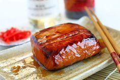 Embora a maioria dos ocidentais achem complicado preparar o salmão teriyaki, a receita deste saboroso prato da culinária japonesa é tão simples que vale a pena ser conferida.