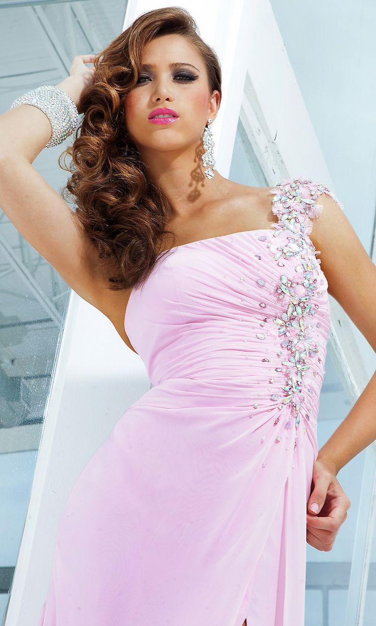 218 best Prom images on Pinterest   Ballroom dress, Cute dresses and ...