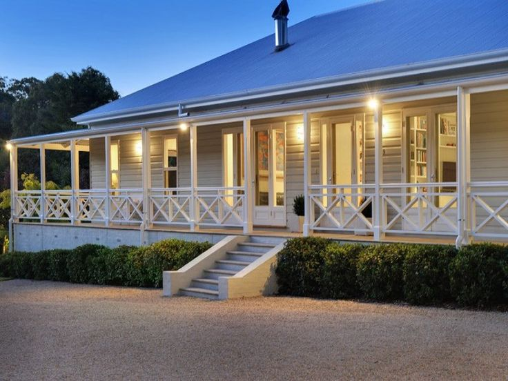 would love a one story home with a beautiful verandah all the way around!