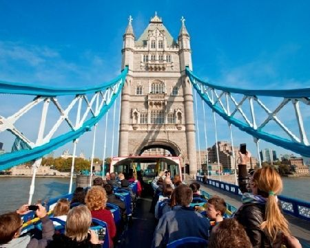 London Sightseeing Bus Tour Ticket Child Have a fun day out in the city of London and visit the famous landmarks which showcase the citys history. This fantastic sightseeing tour provides an amazing unlimited hop-on hop-off open top bus tour http://www.MightGet.com/january-2017-11/london-sightseeing-bus-tour-ticket-child.asp