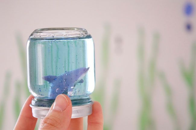 How to make Under the Sea snow globe aquariums
