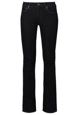 Deze jeanstrend geeft je eindeloos lange (en slanke!) benen | ELLE