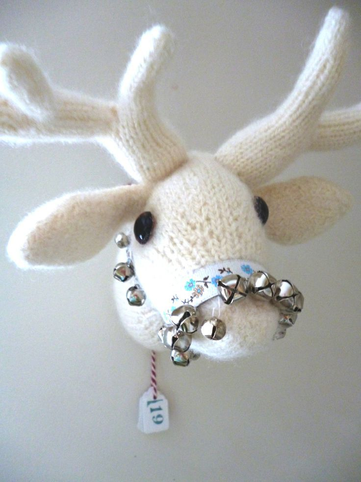 free pattern knitted deer head