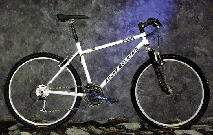 1997 Rocky Mountain Blizzard. Still Looks good after 20 years. Always thought this was a great looking bike, and time hasn't diminished it at all.