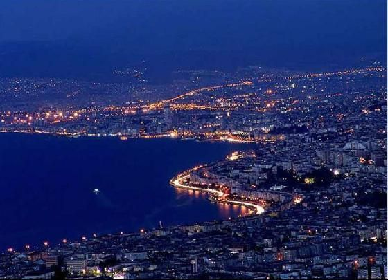Google Image Result for http://studyinizmir.com/wp-content/uploads/2011/12/izmir_at_night.jpg