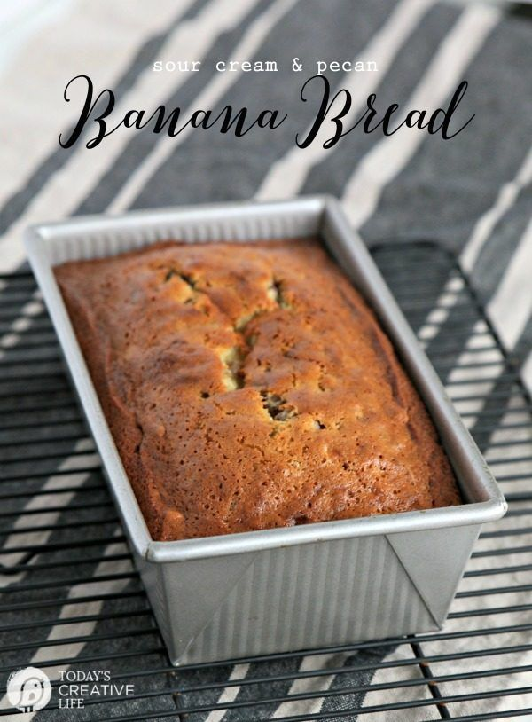 Banana Bread Recipe made with Sour Cream and Pecans | This easy and simple banana nut bread is moist and full of flavor. Grab this quick and easy banana bread recipe on TodaysCreativeLife.com