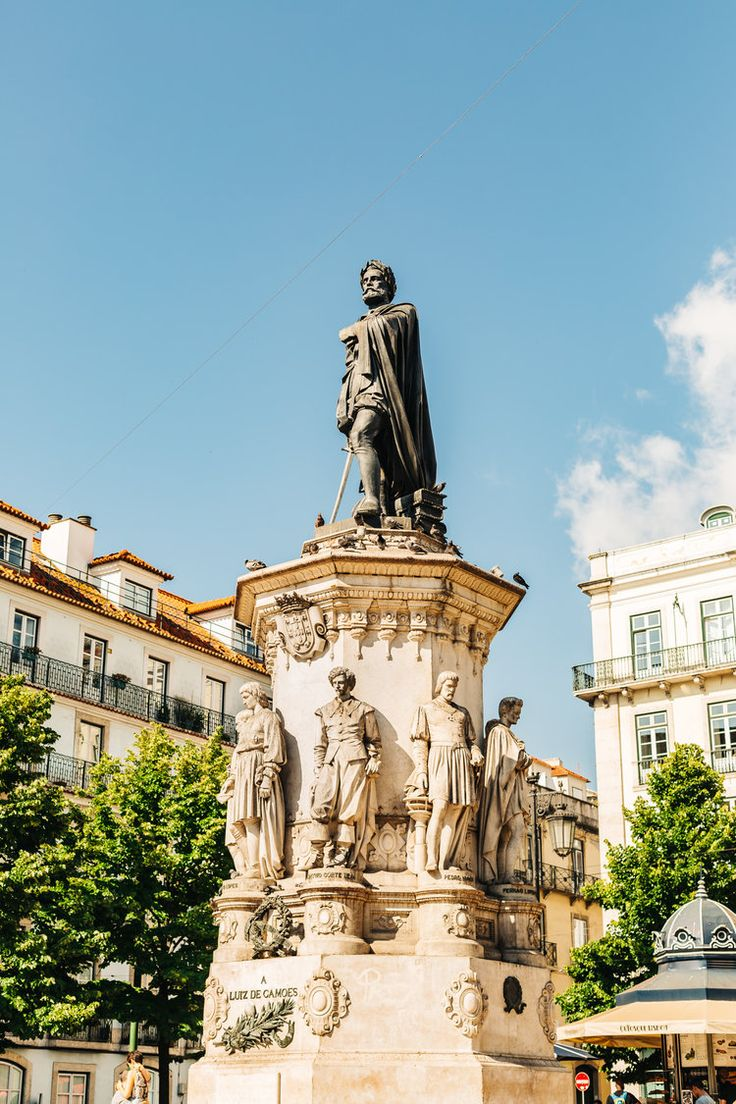 Lisbon's Free Walking Tour Highlights with ChillOut Free Tour