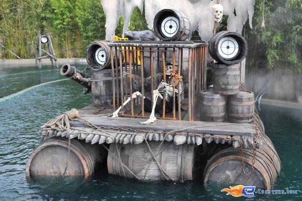 18/26 | Photo de l'attraction Pirates Attack située à Fraispertuis-City (France). Plus d'information sur notre site http://www.e-coasters.com !! Tous les meilleurs Parcs d'Attractions sur un seul site web !!