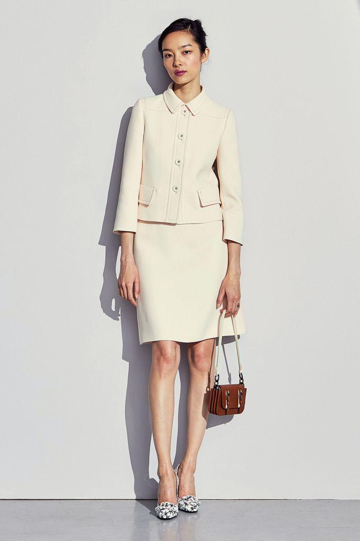 Bottega Veneta - Pre-Fall 2017 the little cream-colored suit I love it