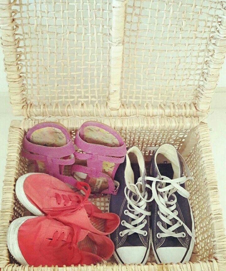 Ideia para guardar sapatos antes de entrar em casa Créditos Descomplicadas