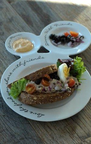 Heel lekker recept van Riviera maison, heb alleen wel de bonen weggelaten en vervangen voor kappertjes.