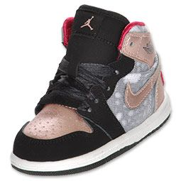 Cute Toddler girls Air Jordan shoes.  Cannot wait to get them for my little girl! <3