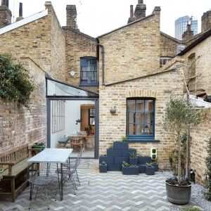 Fraher+Architects+adds+glass-roofed+extension+to+terraced+house+in+London