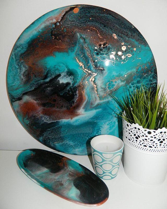 EMERALD ▪️37cm resin art ▪️ Now Available #aylanidesigns #resinart #resinpainting #resinartist #emerald #turquoise#copper #shimmer #homedecor #homeinspo #homewares #decor #design #art #painting #instaart #interiors #interiordesign #interiorinspo #interiordecorating #interiordecoratingideas #melbourneart #melbourneartist #australianartist
