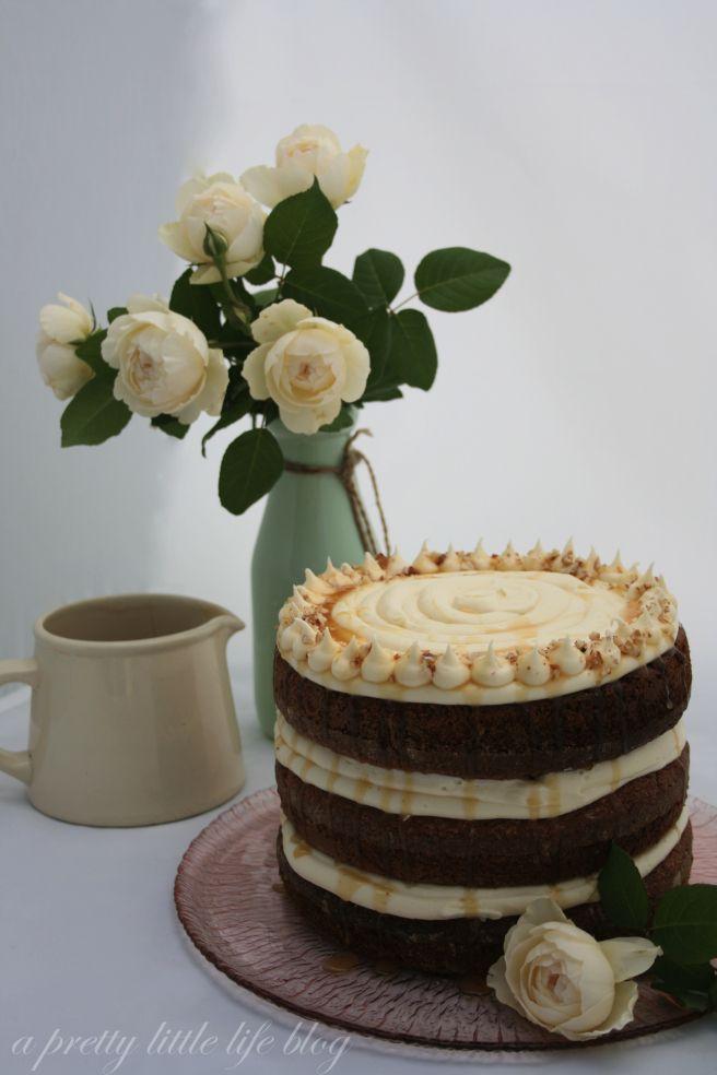 Hummingbird Cake http://aprettylittlelifeblog.com/2015/03/03/my-happy-hummingbird-cake/