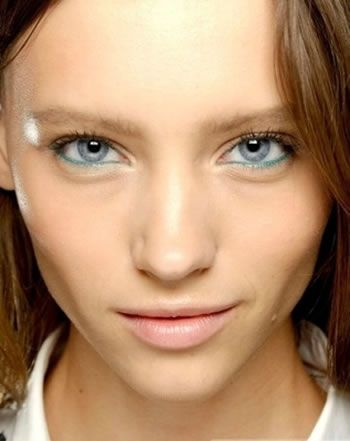 Makeup Tips for a Night Out Women: Looking Stunning on a Special Night