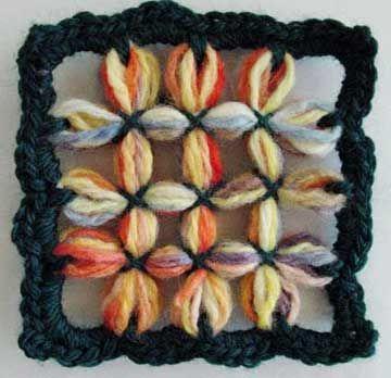 Flower Looms: Grid Motifs on the Square Loom ✿Teresa Restegui http://www.pinterest.com/teretegui/✿
