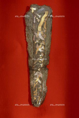 Pugnale con motivi naturalistici; XVI secolo a.C.; bronzo intarsiato in oro; tomba V Circolo A, Micene; Museo Archeologico Nazionale, Atene.