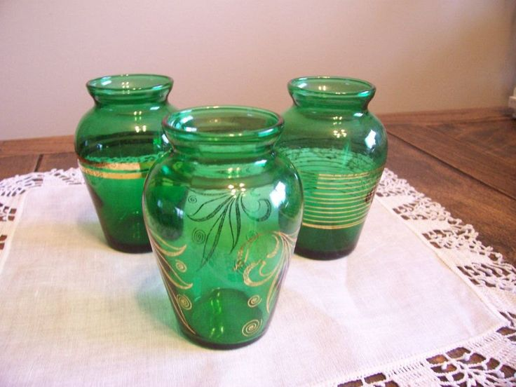 Emerald Green Glass Trio, Instant Collection, Vintage 50s Posy Vases, Anchor Hocking Glass Flower Vases by TrashMaMa on Etsy