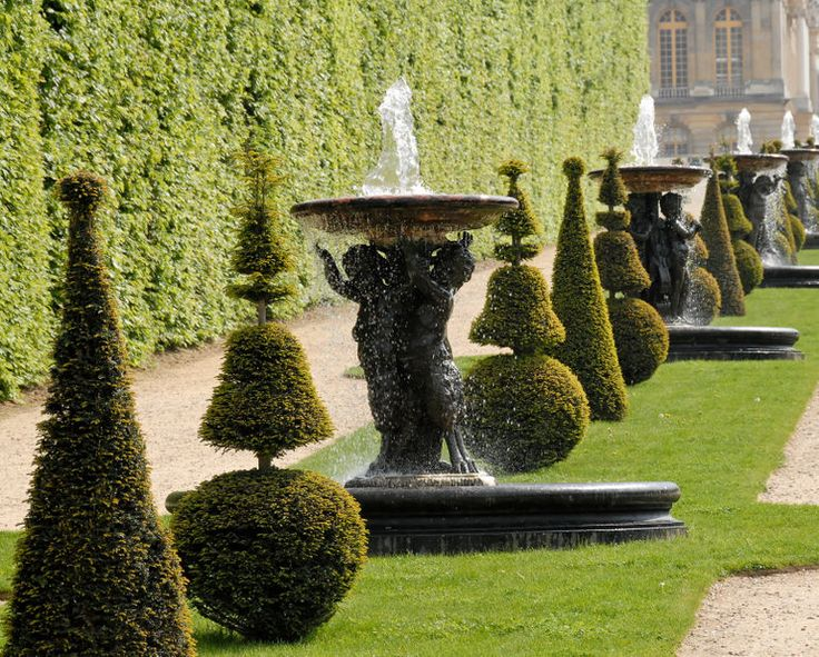 Versailles gardens.  Find more inspiration about heirloom living from Whirloom at https://www.whirloom.com/