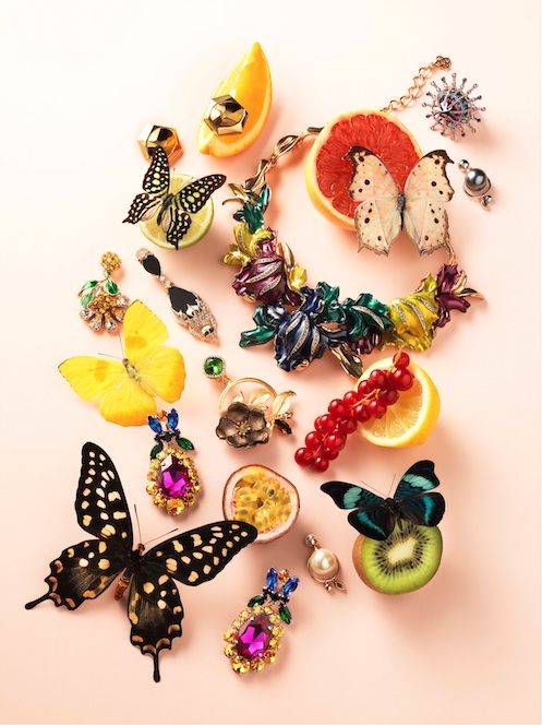 Fashion & Beauty in JAN Magazine Photography by Frank Brandwijk | 'Shiny Glitter Jewelry and Colored Butterflies on Fruits'